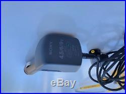 EUC Sony Sports ESP Discman D-451SP CD Compact Player Extras Headphones Case