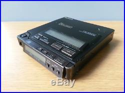SONY D-Z555 DISCMAN PORTABLE CD player