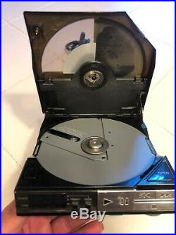 Sony Compact Disc Portable CD Player D-5A With AC Adapter AC-D50 Vintage 1984