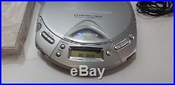 Sony D-CJ501 DISCMAN SILBER MP3 CD SPIELER PORTABLE CD PLAYER. ORIGINAL VERPACKT