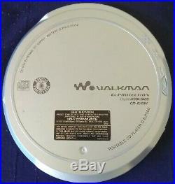 Sony (D-EJ1000) Silver CD Walkman Portable CD Player Discman with AC Adapter