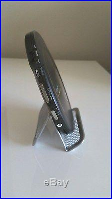 Sony D-EJ2000 Portable CD WALKMAN. Cool Vintage SONY WALKMAN, CD player Works