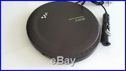Sony D-EJ2000 Portable CD WALKMAN. Rare Vintage with Remote