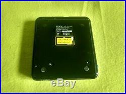 Sony D-T24 DISCMAN Compact disc player + MDR-A10 HEADPHONES RETRO RARE vintage