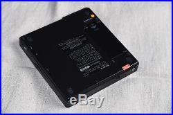 Sony Discman D-25 Portable CD Player Digital Works great