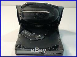 Sony Discman D-25 Portable CD Player With MDR W07 Headphones. Read All
