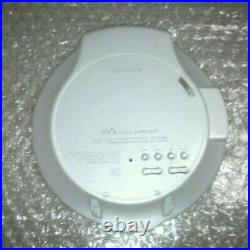 Sony Walkman D-NE20 Personal CD Player Higher Model Many accessories Excellent