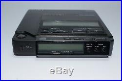 Vintage DISCMAN SONY D-Z555 / D-555 Compact disc Cd player