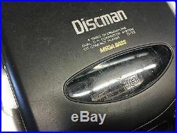 Vintage Sony Discman D-33 Portable CD Compact Disc Player